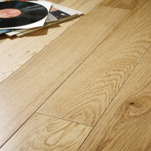 14mm 150mm Wide Lacquered Oak Close up
